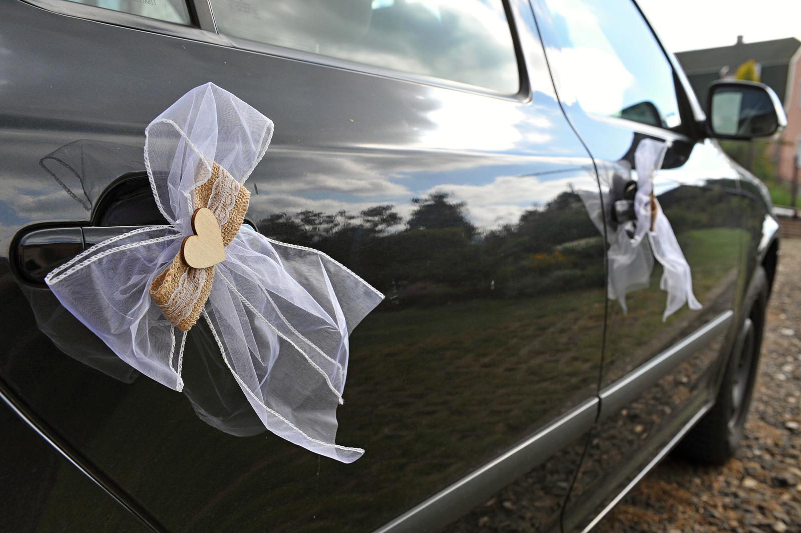Dekorace na auta (juta) - Obrázek č. 1