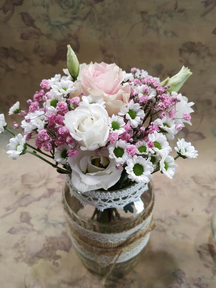 Sklenice na květiny zdobené jutou - Obrázek č. 1