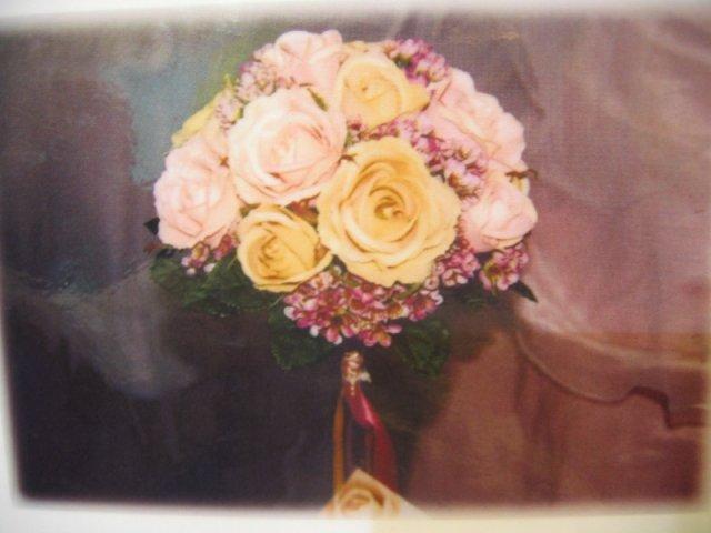 Pripravy na svadbu - toto je moja favoritka, cize zlto-ruzovo-fialova a rovnako bude aj vyzdoba saly