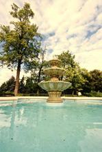 krásny záber na fontánu v Studenom