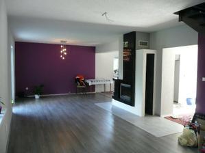 obývačka zatiaľ bez nábytku