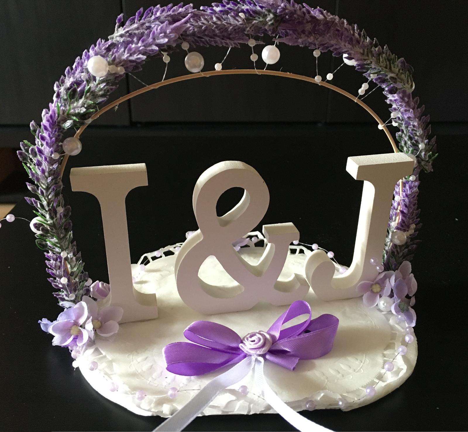 Písmenka bílá se slavobránou levandule svatba I & J - Obrázek č. 1