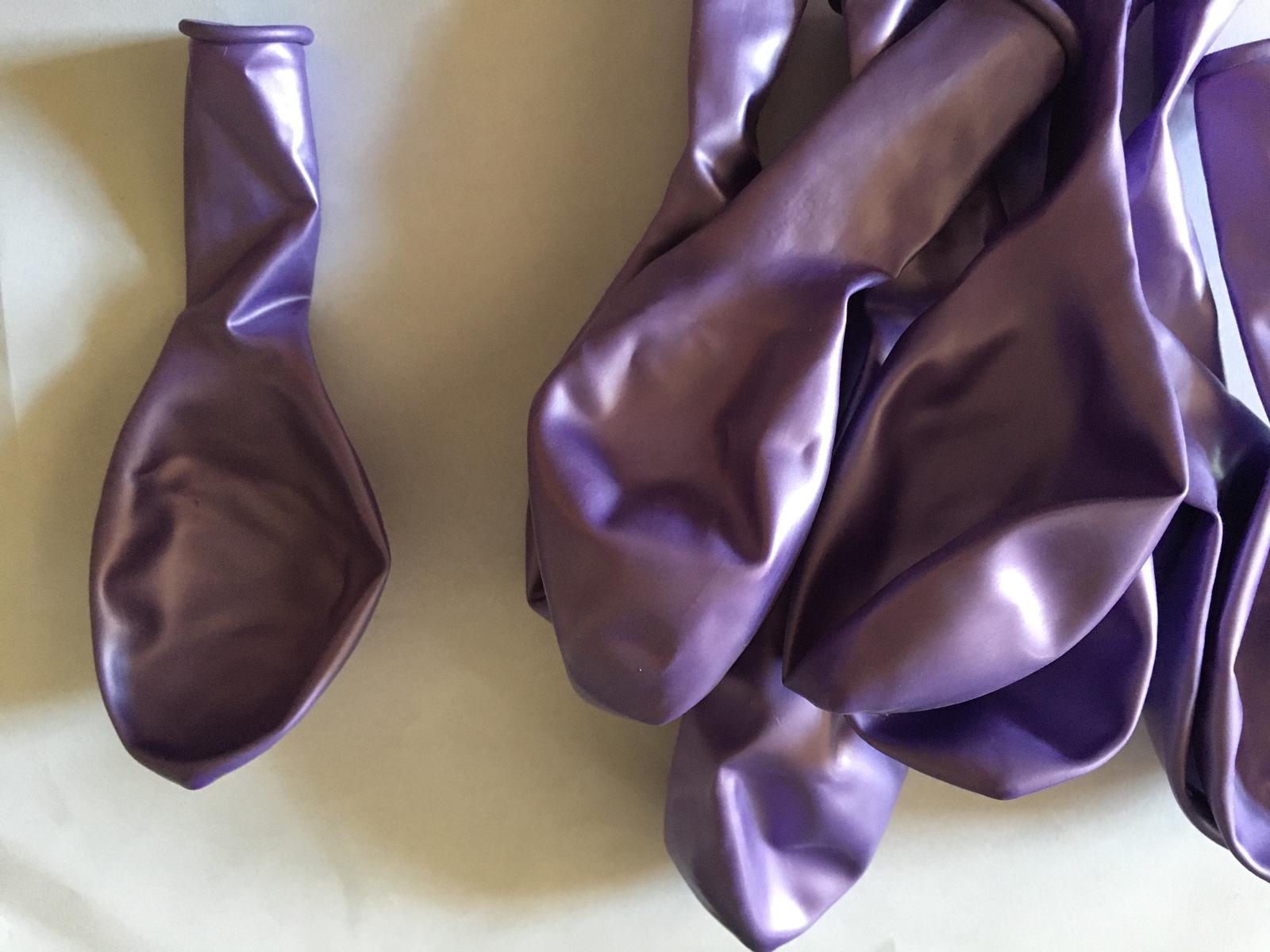 Balónek fialový metalický průměr cca 25 cm NOVÉ 10 ks - Obrázek č. 1