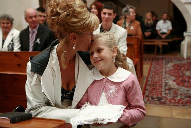 Iveta{{_AND_}}Michal - maminka moja s Frederikou - mala drzala prstienky