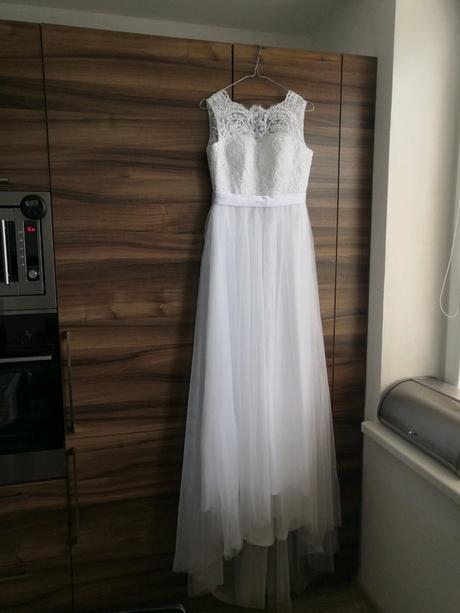 Bílé krajkové svatební šaty s tylem 34/36 - Obrázek č. 1