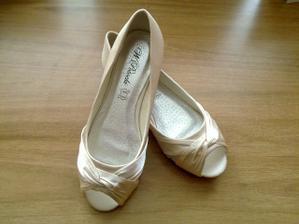moje topánočky k popolnočným šatkám