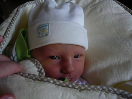 Michaela{{_AND_}}Vladimír Pavlovi - 12.10.2009 se narodil náš poklad Zuzanka.