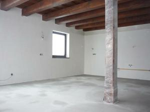 Nivelácia betónového poteru  v celom dome.