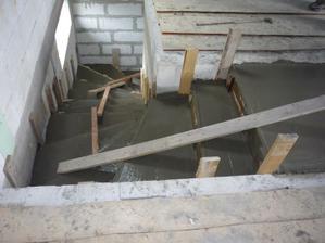 30.4.2011 Betónovanie schodov.