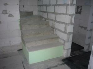 Päta schodov je odizolovaná XPS - kom.