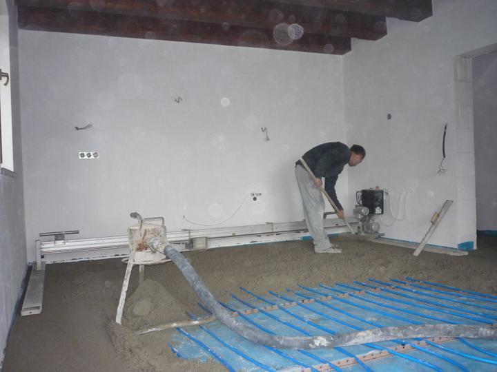 Náš  domček  - krok za krokom - Pomocník - zarovnávacie zariadenie Floor Master.