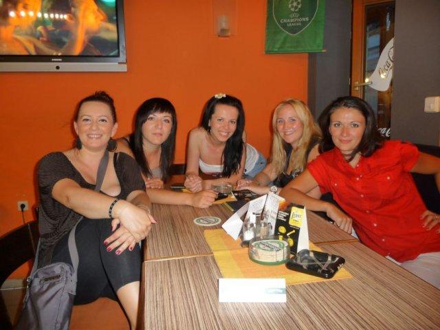 Monicska a Petusko 07.08.2010 - s naj babami na rozlucke so slobodou