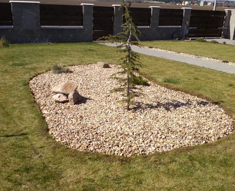 Zahrada a předzahrádka - :D