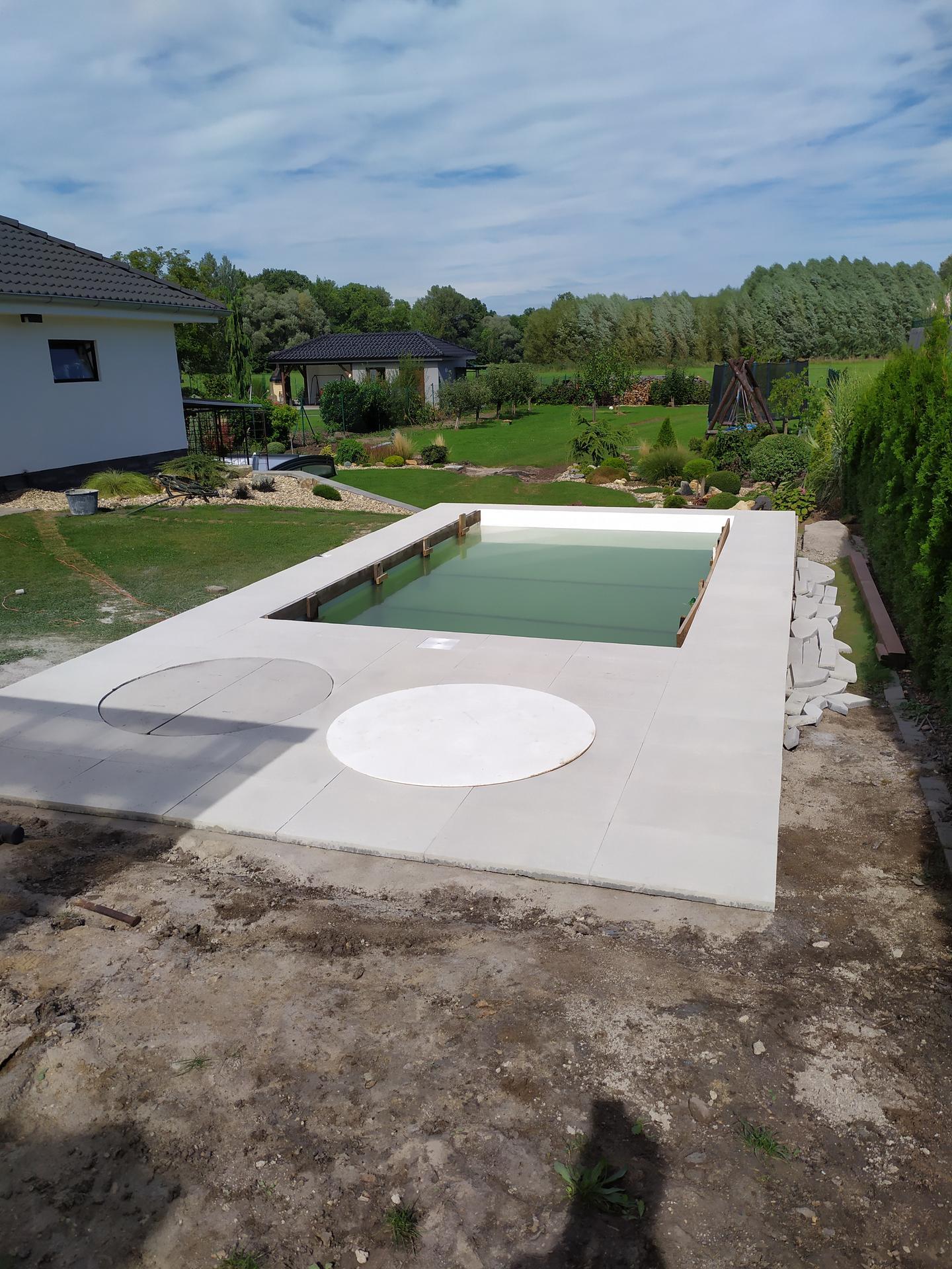 Bazén srpen 2020: doplněk naší zahrady😉 - Obrázek č. 11
