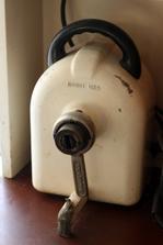 nesmrtelný robot UKS, doufám, že mi bude ještě dlouho sloužit, jsem už třetí generace co ho používá
