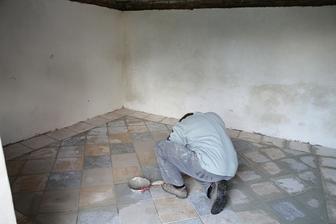 budujeme letní kuchyň ze starého prasečáku