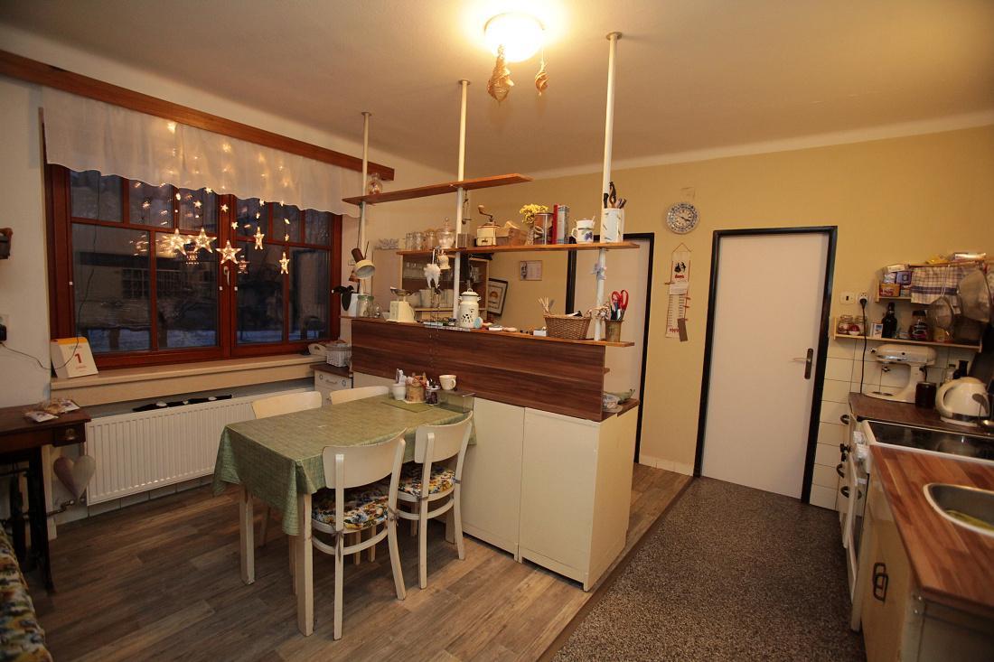 Modernizujeme kuchyňku - chci vyměnit tu tmavou desku