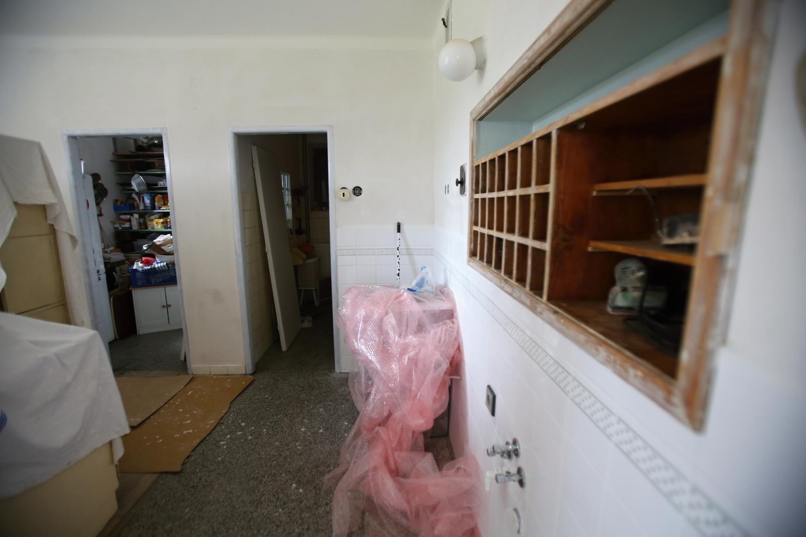 Modernizujeme kuchyňku - kupičky kam se podíváš :-