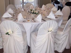 Biele stloly. Naaaadhera
