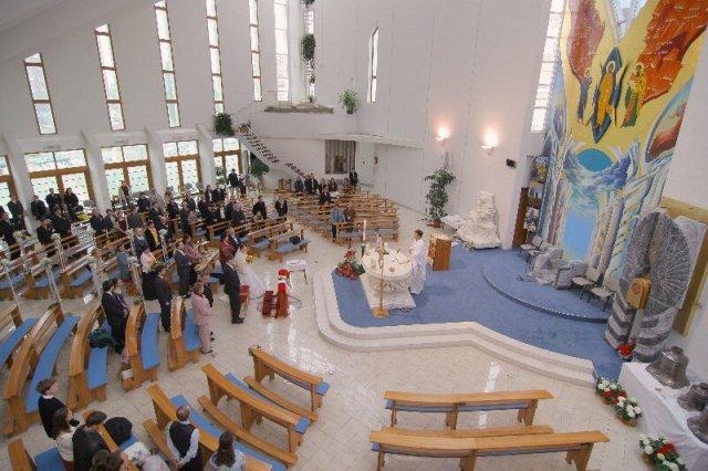 Ellka{{_AND_}}Michal - foto: L. Gustafik, kostol sv. Vincenta de paul
