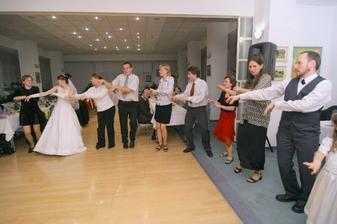 foto: L. Gustafik - na taketo blbosti sa hostia velmi rychlo namotali :-D