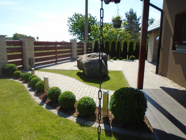 Nápady na zahradu - Nádherná inspirace z alba https://www.modrastrecha.cz/blog/kmaty/album/nase-jeste-nedokoncena-zahradka-pivdl0/