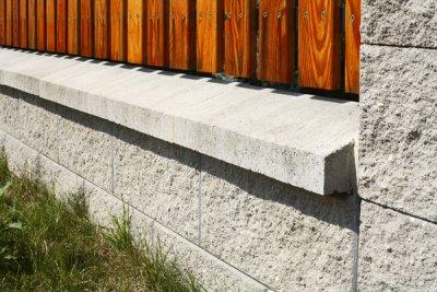 Naše dilema plot - BEST - NATURA II, povrch STANDARD štípaný, barva bílá