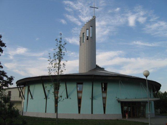 "Rozprávka začína... - ""náš"" kostolík v Petržalke"
