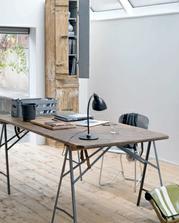 obavala som sa, ako bude vyzerat podobny dreveny stol na drevenej podlahe (teda ehm mame laminatku),a le vyzera to fajn :)