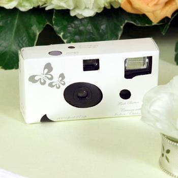 Co uz mam - jednorazovy fotoaparat na kazdy stol ale ruzovy a s ruzickou