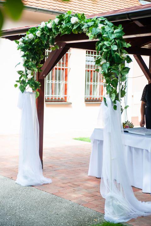 Vždy sa veľmi potešíme profi fotkám od našich neviest. Ďakujeme krásne.Naša nevesta Štefánia a fotky z ich augustovej svadby  na Dolnom Majeri - Obrázok č. 3
