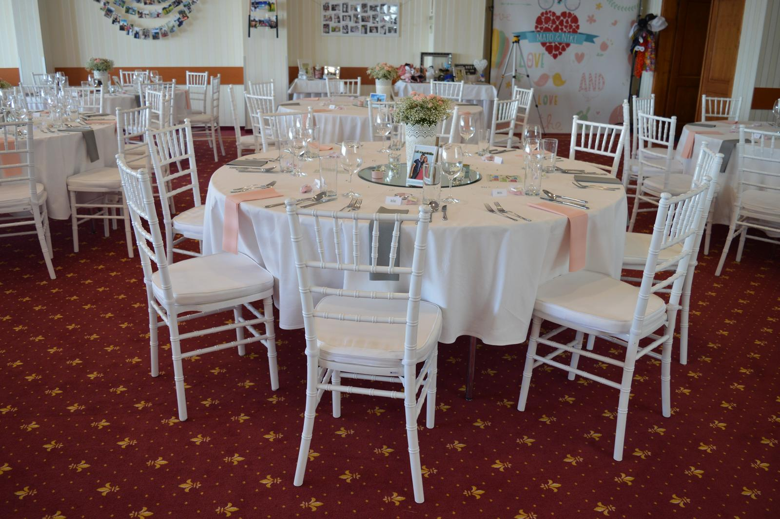 Biele chiavari stoličky prenájom 2,50 Eur - Obrázok č. 2