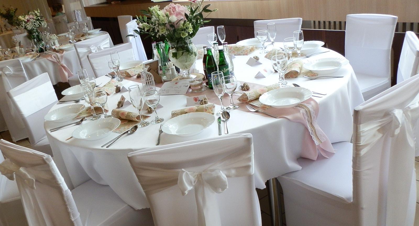 Okrúhle stoly + obrusy prenájom - Obrázok č. 3