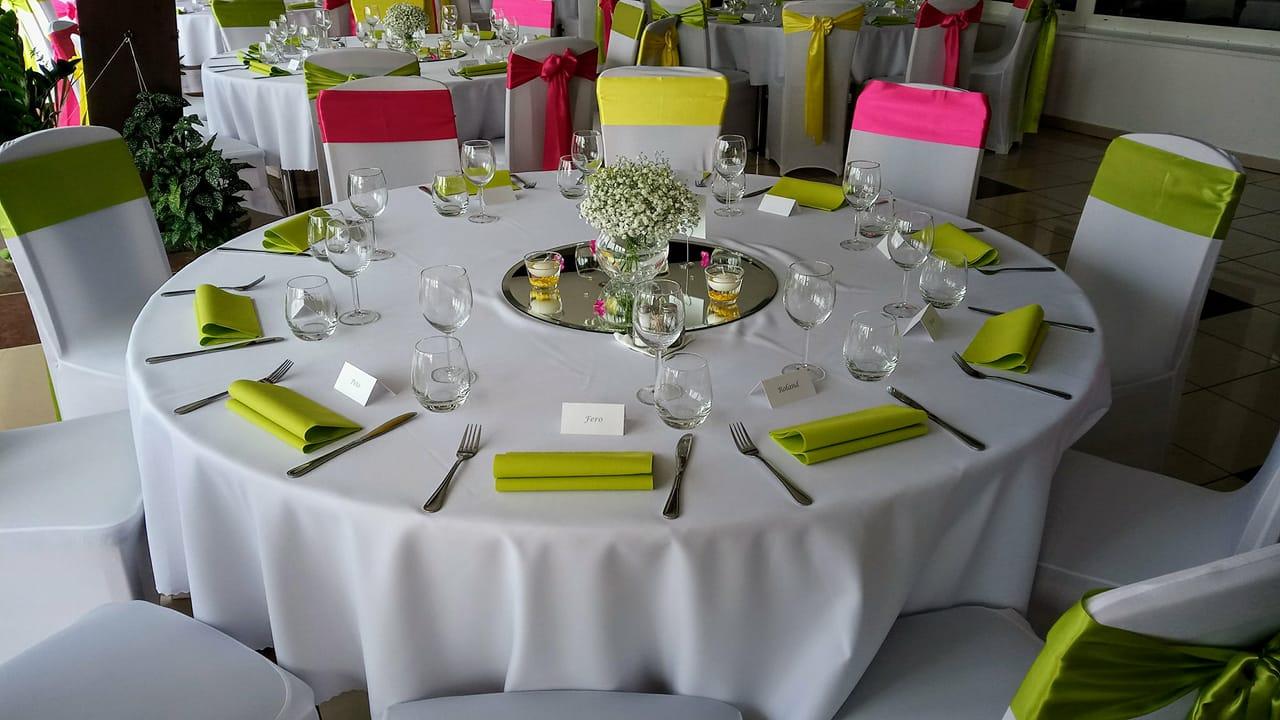 Okrúhle stoly + obrusy prenájom - Obrázok č. 2