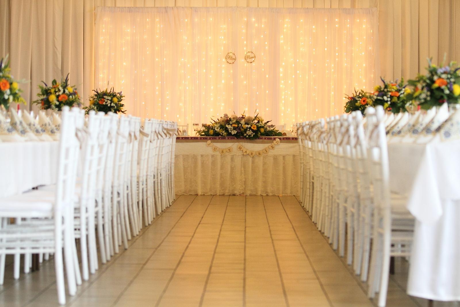 Prenájom - biele chiavari stoličky - Obrázok č. 1