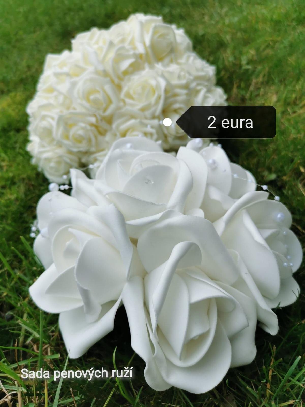 Penové ruže biele /krémové - Obrázok č. 1