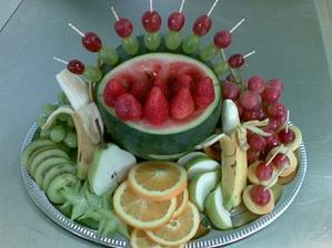 bezva uspořádané ovoce
