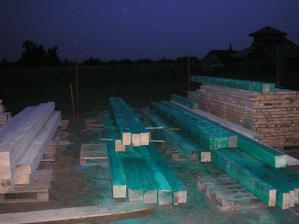 časť dreva na krov