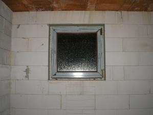 okno v kúpeľni