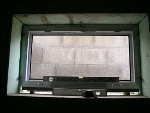 už máme aj okná a dvere na pivnici