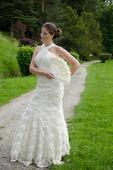 Neobyčajné svadobné šaty, 38
