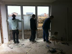 znovu usazený a opravený okna .... jo jo tady už bylo vymalováno :-(
