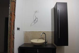 spodní koupelna ....
