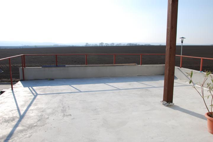 Zařizujeme náš domeček .... - výhled z terasy
