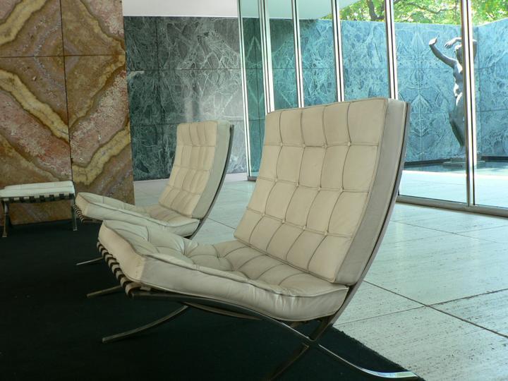 Barcelona chair, a další designová křesílka - Obrázek č. 6