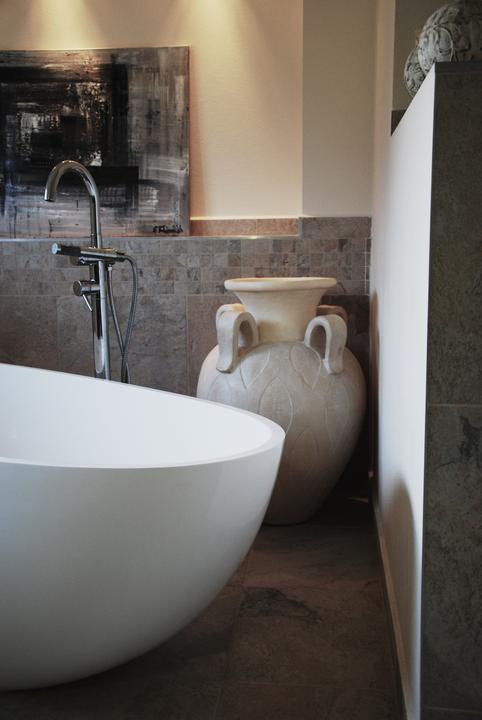 Zařizujeme náš domeček .... - Italská váza nakonec skončila v koupelně:-)