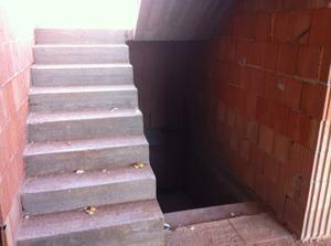 schody do patra a do sklepa