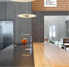 Pohlad z kuchyne do atria, a ukazka kombinacie materialov na barovom pulte. :)