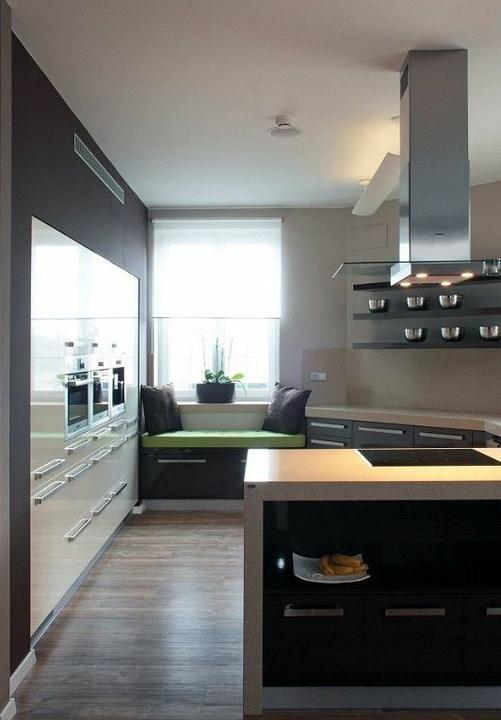 Inspiracie kuchyna - ..ta lavica pod oknom je uplne super..tam by sa vysedavalo.. :)) ..ale akosi nemam kam to v nasej kuchyni dat.. :(