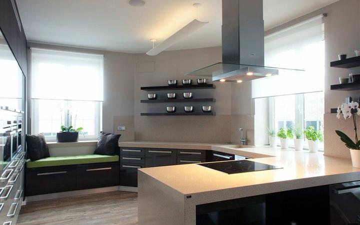Inspiracie kuchyna - Jaaaaj, krasne posedenie, celkom sa mi pozdava tato kuchyna..taka priestranna, prijemny tvar.. :)